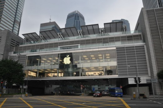 Hong-Kong-Apple-store-520x345
