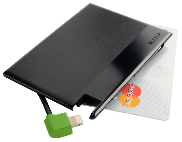 Caricatore Formato Carta di Credito con Cavo_002